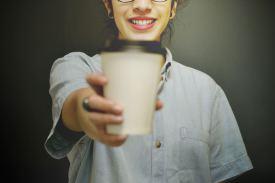 Das Händerfrühtück bei Bassi Flohmärkte enthält 2 belegte Brötchen und gratis Kaffee
